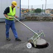 Probst SDH-M-10 Mechanical Manhole Cover Lifter